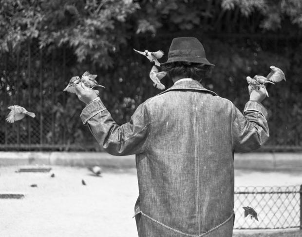 bird-man-paris-people-series-georgia-fowler